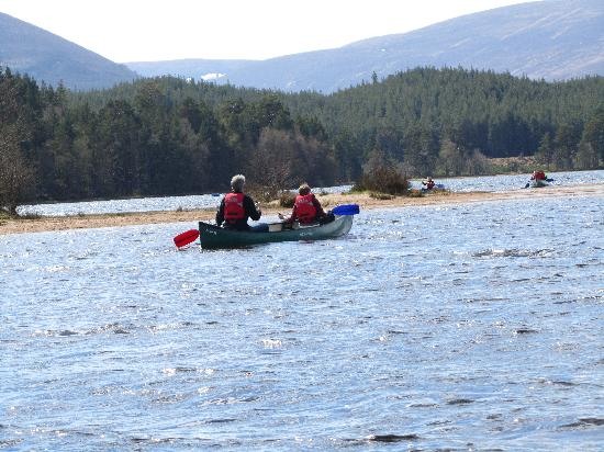 Cairngorm Lodge Youth Hostel: Canoeing on Loch Morlich