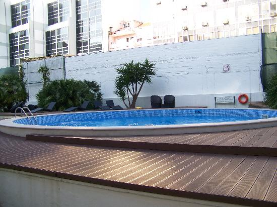 piscine picture of clarion suites lisbon lisbon