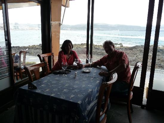 La Marinera: table with a view of the Atlantic