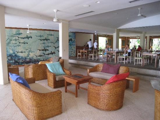 Finch Bay Galapagos Hotel: dining room/lounge