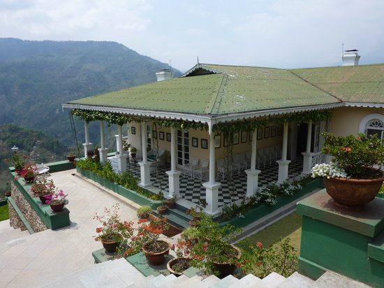 Glenburn Tea Estate: The lower bungalow