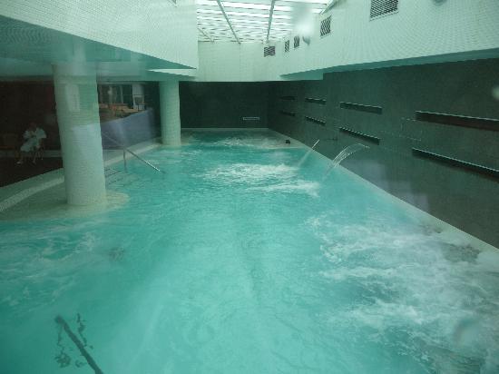 Hotel Balneario TermaEuropa Playa Coma-Ruga: Piscina activa