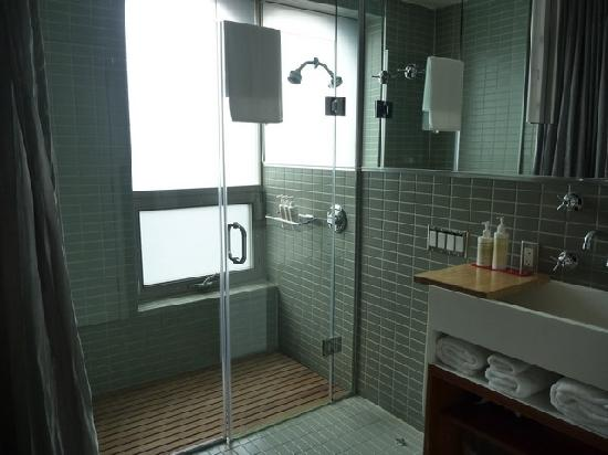 Drake Hotel Toronto Great Shower