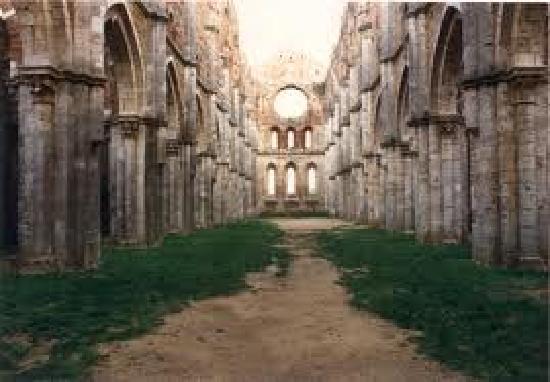Chiusdino, Italia: l'abbazia