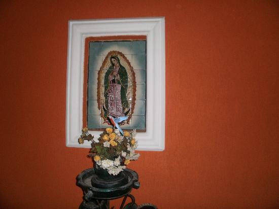 Pousada El Rinconcito: Imagen de la Virgen de Guadalupe