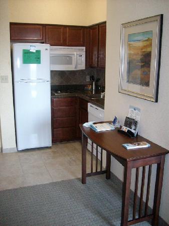 Staybridge Suites Corpus Christi: kitchenette