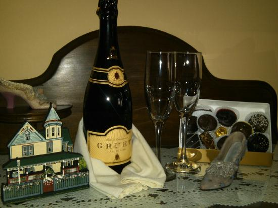 Albert Stevens Inn: Our Champagne and Chocolates