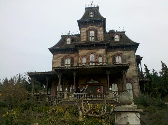 Disneyland Park: Phantom Manor