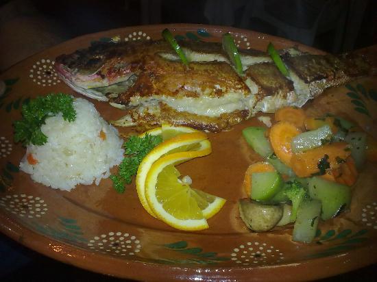 Las Mariscadas: Grilled Whole Snapper