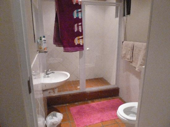 Cape Town Backpackers: Bathroom