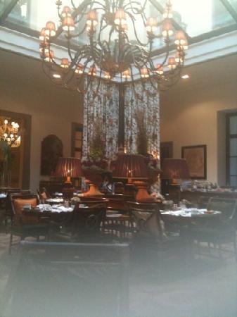 Four Seasons Hotel Firenze: the breakfast room