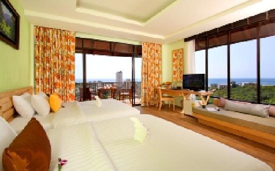 Karon Phunaka Resort and Spa : Family Room