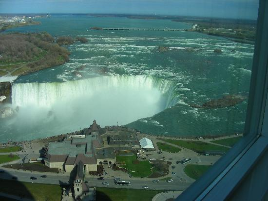 Horseshoe falls view from 36th floor room. - Picture of