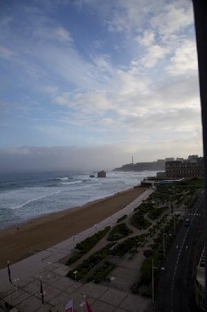 Le Windsor Grande Plage Biarritz : Vue sur la mer