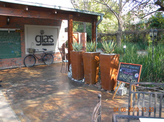 Gia's on Montrose: Welcome to the most tranquil restaurant in Sandton