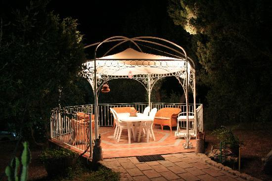 Baccollasta B&B: Gazebo