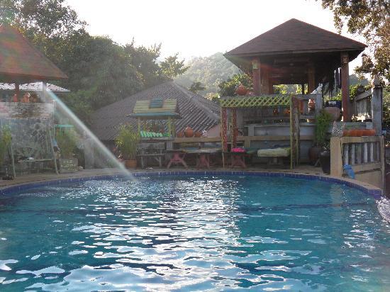 Varinda Garden Resort: The pool