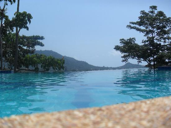 Varinda Garden Resort: View from the pool