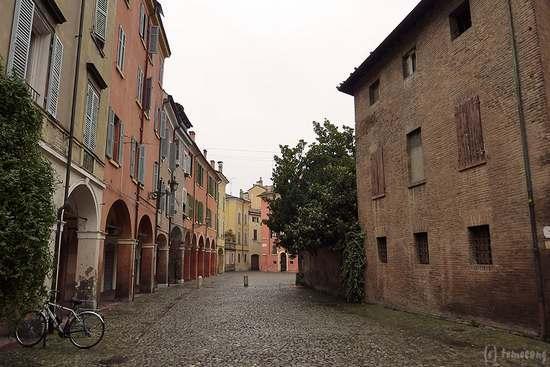 Módena, Italia: モデナの街
