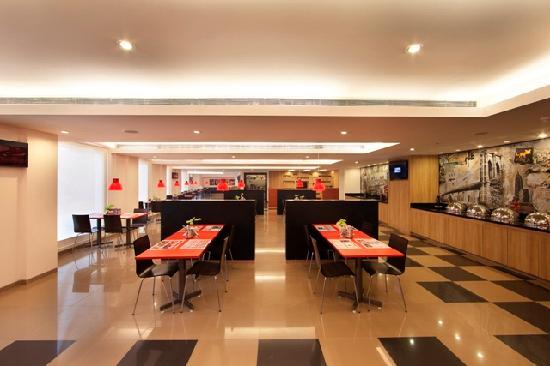 Red Fox Hotel Hyderabad: Clever Fox Cafe
