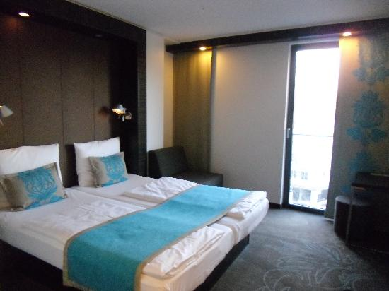 Motel One Muenchen-Sendl. Tor: Spacious room