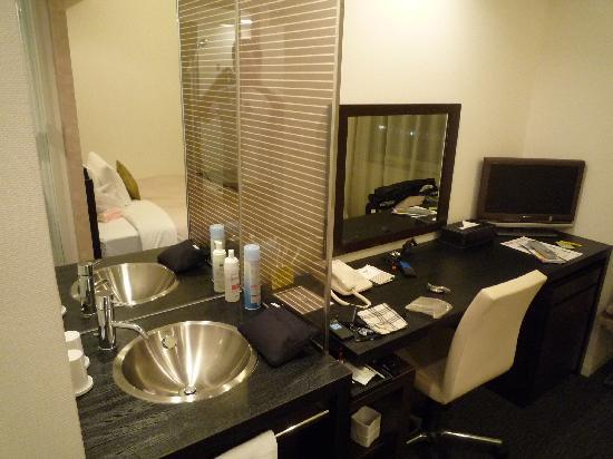 Hotel Vista Ebina : 洗面所(トイレ、バスとは別)