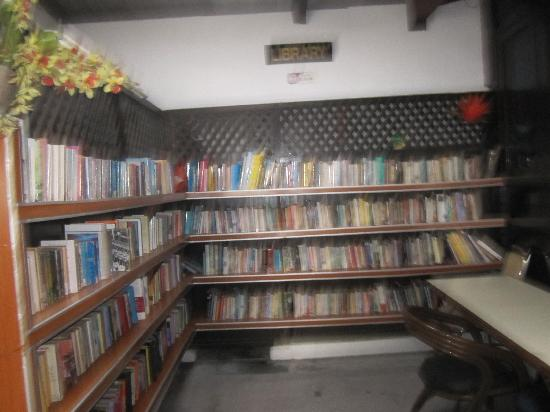 Nipah Bay Villa: library- you can donate your books once read