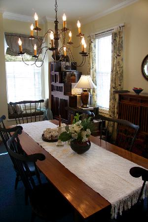 Merlot House: Guest dining room