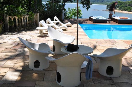 Pousada Picinguaba: Meubles piscine
