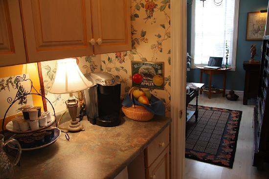 Merlot House: Guest butlers pantry