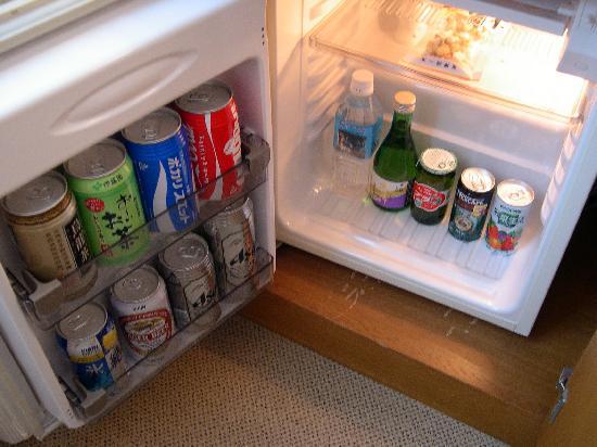 Hotel Merieges Nobeoka : 冷蔵庫に飲み物あり