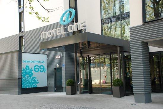 Motel One Munchen-Deutsches Museum : Eingang Motel One