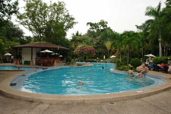 Loma Resort & Spa : Pool at day time