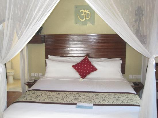 The Villas Bali Hotel & Spa: Bed