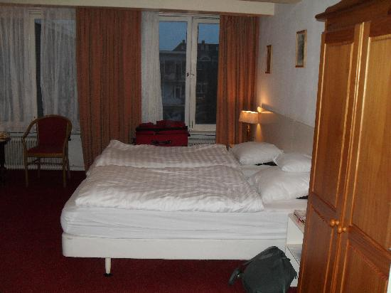 Hotel Keizershof: Part of the Rita Hayworth room