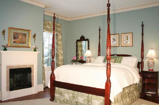 Peacefields Inn Bed & Breakfast: Gracious en-suite guest rooms.