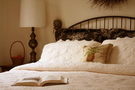 Peacefields Inn Bed & Breakfast: Peaceful privacy.