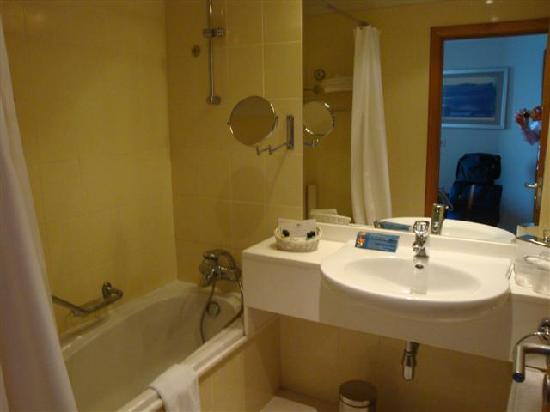 Madeira Regency Cliff : Bathroom