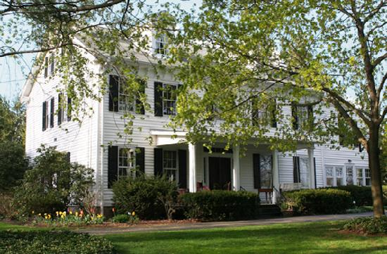 Peacefields Inn Bed & Breakfast: 609-259-3774 www.peacefieldsinn.com