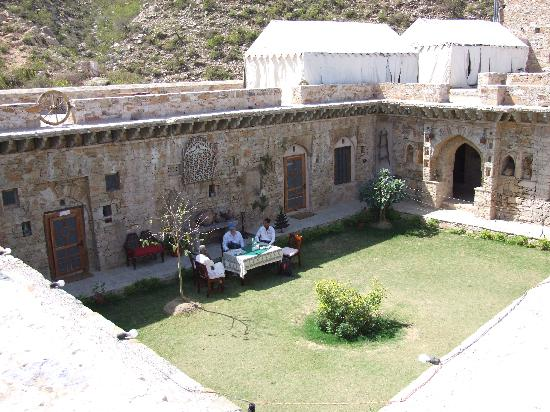 Dadhikar Fort: Central Court yard - Meals here