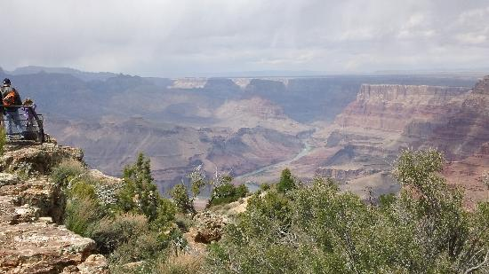 Cameron Trading Post Grand Canyon Hotel: Grand Canyon - its not grand its immense!