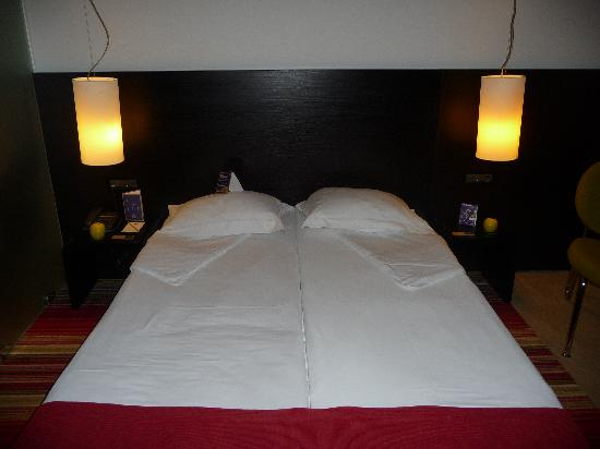 mOdus Hotel: Double bed