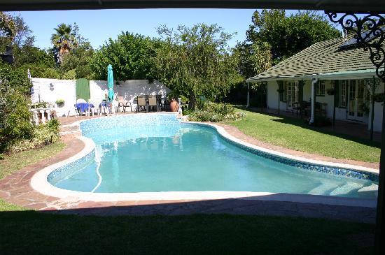 Somer Place B&B: Pool