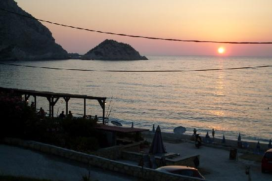 Petani Beach: food available, cheap and delicious