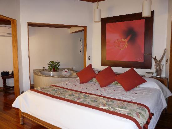 Tango Mar Beachfront Boutique Hotel & Villas: Tiki suite
