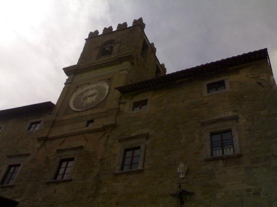 Hotel 2 Mari: visita a Cortona