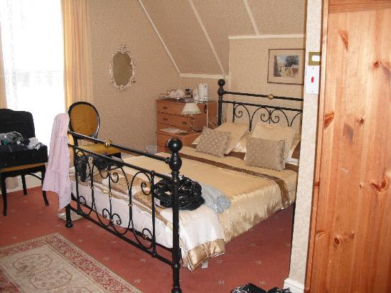 Two Ways Guest House: the room