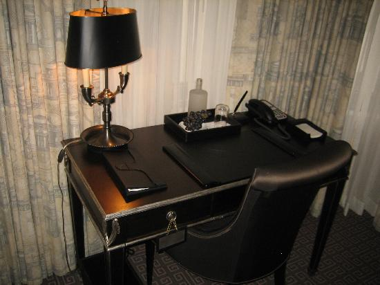 The Jefferson, Washington DC: Desk