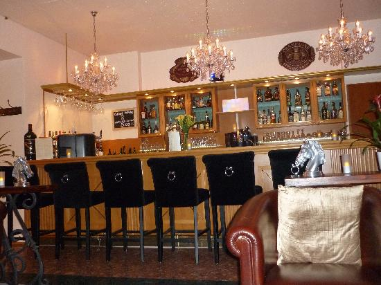 Novum Hotel Excelsior Duesseldorf: Hotel Excelsior bar