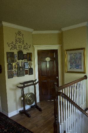 Elm Creek Manor: Upstairs Hall
